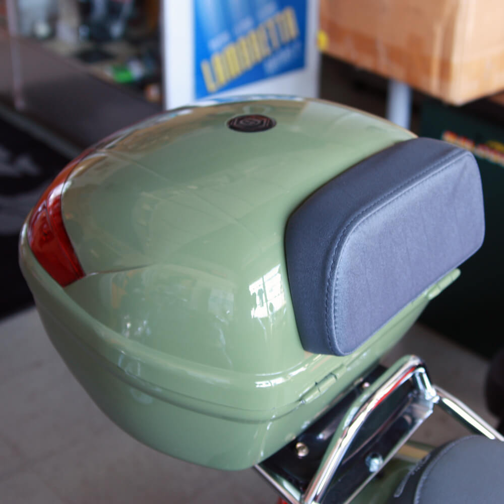 Backrest on a Scooter Topcase
